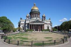 Kathedrale von Str. Isaak in St Petersburg Stockfotografie