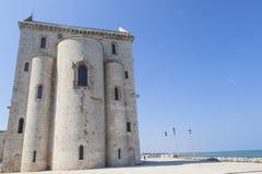 Kathedrale von Trani auf dem Meer in der Provinz von Bari lizenzfreies stockfoto