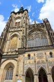 Kathedralefassade Str Lizenzfreie Stockfotos