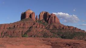 Kathedralen-Felsen-Reflexions-Zoom heraus Stockbild