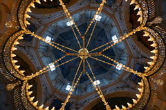 Kathedralen-Leuchter lizenzfreies stockfoto