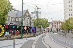 Kathedralen-Quadrat mit der Seitenansicht stark beschädigter Christchurch-Kathedrale durch das Erdbeben 2011 Stockfotos