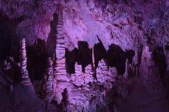 Kathedralen-Raum in Lewis und in Clark Caverns stockbilder