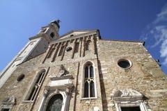 Kathedralen's-Glockenturm in Belluno Stockfoto