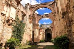 Kathedralende Santiago ist eine Römisch-katholische Kirche, Antigua Guatemala Lizenzfreie Stockbilder