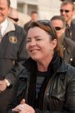Kathleen Madigan avec les troupes Photos stock