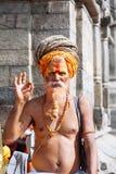 KATHMANDU - 17 DE FEVEREIRO: Sadhu no templo de Pashupatinath em Kathma Imagem de Stock