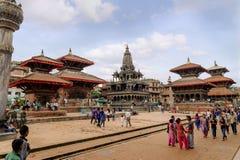 KATHMANDU, NEPAL - 23 DE JULHO DE 2013: O quadrado de Patan Durbar é um dos três quadrados de Durbar no Kathmandu Valley, que são Foto de Stock Royalty Free