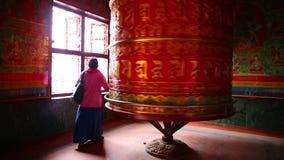 KATHMANDU, NEPAL - JUNE 2013: Nepalese people worship Stock Images