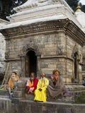 KATHMANDU NEPAL, LISTOPAD, - 03: Święci Sadhu mężczyzna z tradycyjnym Obrazy Stock