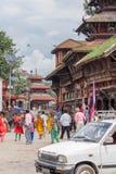 Kathmandu Nepal, Listopad, - 02, 2016: Nepalscy ludzie w Bhaktapur Durbar kwadracie, Basantapur, Kathmandu, Nepal Obrazy Royalty Free