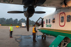 KATHMANDU/NEPAL - 18 OCTOBRE 2015 : Tara Air Photographie stock libre de droits