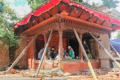 Kathmandu Nepal, Wrzesień, - 20, 2016: Lokalni ludzie blisko Durbar obraz stock