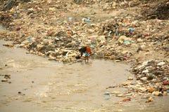 Kathmandu verunreinigte Fluss Stockfotografie