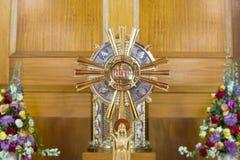 Katholiek godsdienstig kruis Stock Afbeeldingen