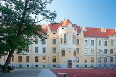 Katholiek gymnasium op Grosslingova 18, Bratislava, Slowakije Royalty-vrije Stock Afbeeldingen