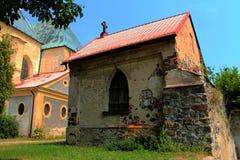 Katholieke Kapel dichtbij Kerk in Frydlant Royalty-vrije Stock Foto's