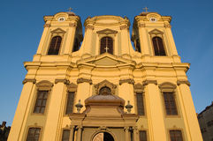 Katholieke koepel in cenral vierkant van Timisoara Royalty-vrije Stock Foto's