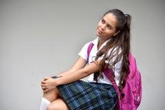Katholieke Vrouwelijke Student Eenvormig Wondering Wearing School stock foto's