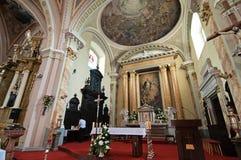 Katholische Innenkirche stockfotos
