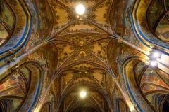 Katholische Kathedrale nach innen Stockfotografie