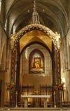 Katholische Kirche vor der Hochzeit ändern stockbilder