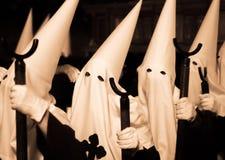 Katholische spanische Prozession Ostern stockfotos