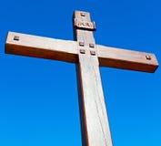 katholisches abstraktes heiliges Kreuz in Italien Europa und der Himmel Lizenzfreies Stockbild