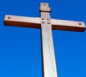katholisches abstraktes heiliges Kreuz in Italien Europa und der Himmel Stockfotos