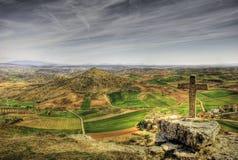 Katholisches Kreuz im Berg Lizenzfreies Stockfoto