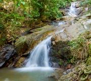 Kathu siklawa na Phuket wyspie w Tajlandia zdjęcia stock