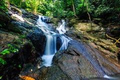 Kathu siklawa w tropikalnym lasowym Phuket, Tajlandia Obraz Stock