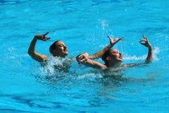 Katie Clark och Olivia Federici av Storbritannien konkurrerar under rutinen för synkroniseringssimningduett fritt på Rio de Janei Royaltyfria Bilder
