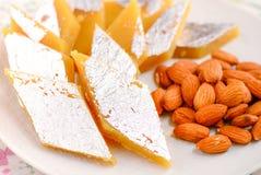 Katli de Badam - dulce de azúcar de la almendra fotos de archivo