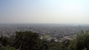 Katmandu de la altura del vuelo del ` s del pájaro almacen de metraje de vídeo