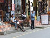 Katmandu gatorna av Thamel Arkivfoto