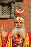 KATMANDU, NEPAL - 14 DE ENERO DE 2015: Retrato de un hombre de Sadhu Holy en el cuadrado de Durbar Foto de archivo