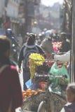 KATMANDU, NEPAL - FEBRUARI 10, 2015: De straten van Katmandu, Royalty-vrije Stock Afbeeldingen