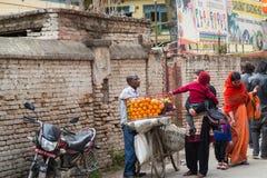 KATMANDU, 16 NEPAL-MAART: De straten van Katmandu op 16 Maart, Royalty-vrije Stock Foto's