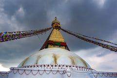 Katmandu, Nepal, mag, 2 2018 Portret vooraanzicht van Boudhanath Stupa royalty-vrije stock afbeelding