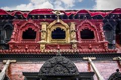 KATMANDU, NEPAL - MEI 2: Vooraanzicht van het huis van Godinkumari stock foto