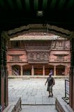 Katmandu Nepal - November 02, 2016: Chowk eller borggård av det UNESCOvärldsarvPatan museet Royal Palace i den Durbar fyrkanten Arkivfoto