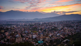 Katmandu stad i aftonen arkivbild