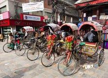 Katmandu stad, rikshas Royaltyfri Bild