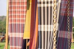 Katoenen stoffen Thaise die stijl als gordijn voor decoratie wordt gebruikt stock foto