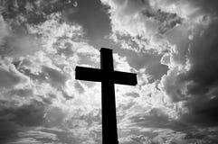 Katolik przecinająca sylwetka przy zmierzchem obrazy stock