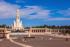 Katolsk kolonnad i Fatima Arkivfoto
