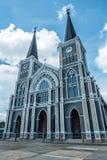 Katolsk kyrka för låg vinkel i Chanthaburi Thailand royaltyfri bild