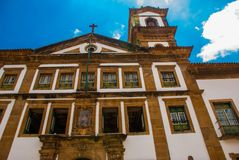 Katolsk kyrka historiskt område av Pelourinho Den historiska mitten av Salvador, Brasilien arkivbild
