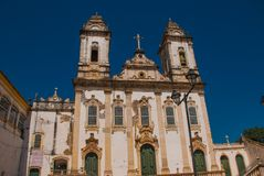 Katolsk kyrka historiskt omr?de av Pelourinho Den historiska mitten av Salvador, Brasilien fotografering för bildbyråer